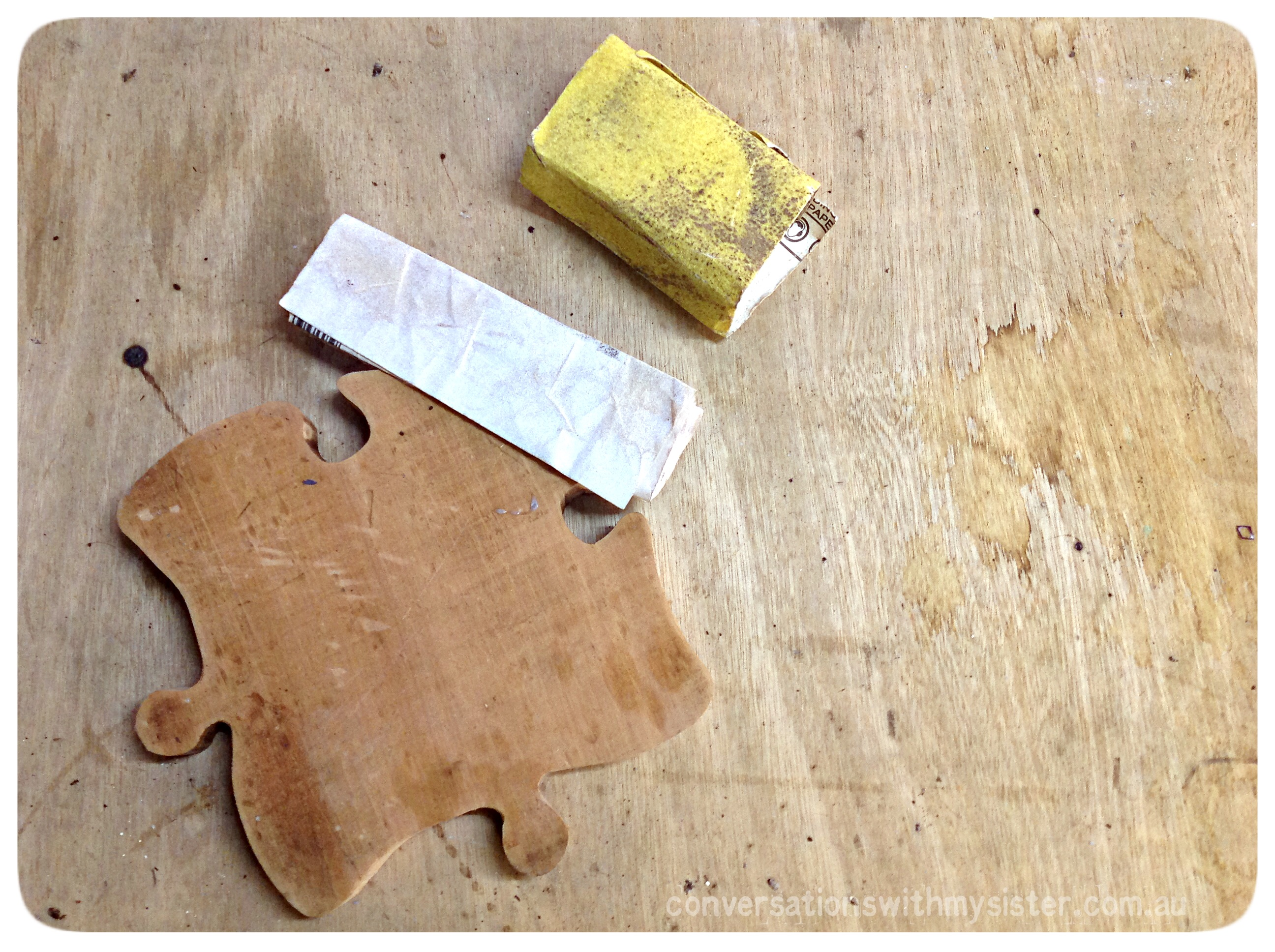 #DIY Jigsaw Piece Plate – Out of the Man Cave_conversationswithmysister.com.au